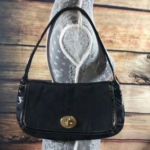 Coach purse. Color black.